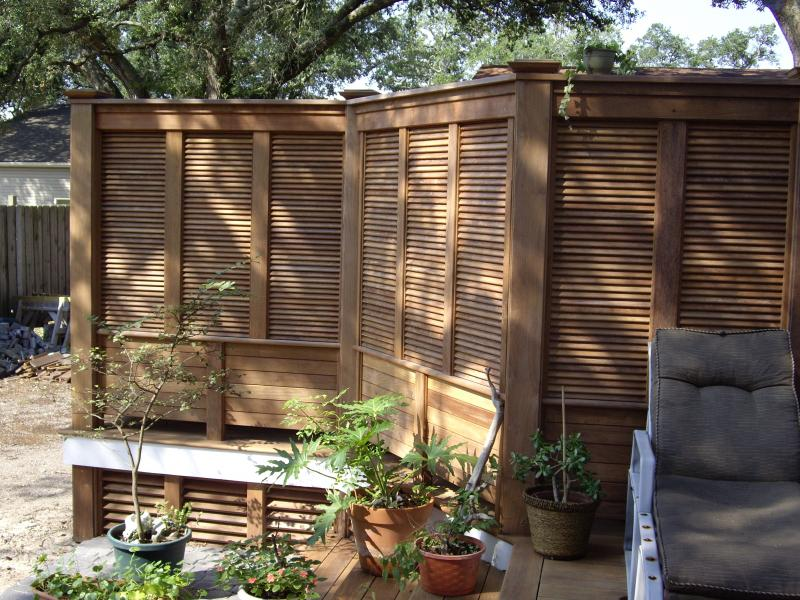 B b design construction inc ipe privacy screen deck for Privacy shutters for deck